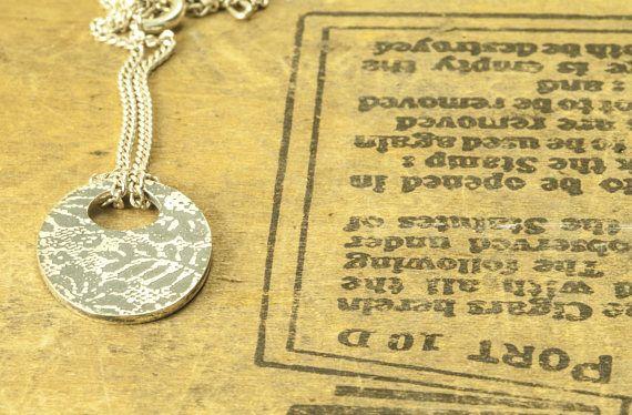 Collier pendentif dentelle oval Collier fleurs en argent