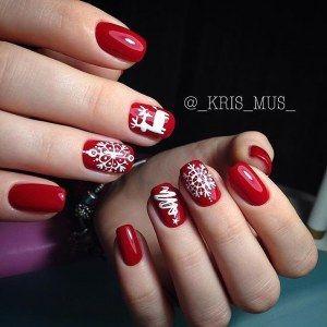 Красный зимний маникюр гель-лаком - дизайн ногтей с оленем, елочкой и снежинками