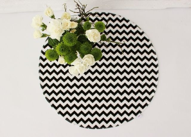 cirkle chevron black &white
