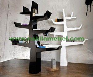 Rak Buku Pohon produk furniture jepara merupakan  inovasi perngrajin jepara berpengalaman produk mebel jepara