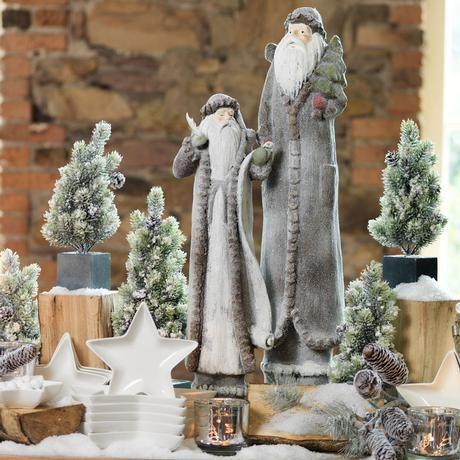 Christmas Star Serveware and Santa Figurines make the Season Sparkle at M&B