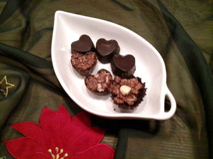cioccolatini ripieni http://blog.giallozafferano.it/lefragrantidelizie/cuori-pralinati-ripieni-di-mandorle-e-nutella/