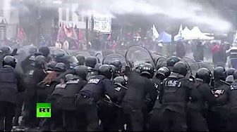 Rubber bullets, tear gas & water cannons: Police clash