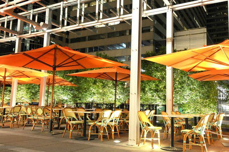 Table 31 Restaurant, Philadelphia umbrellas defining