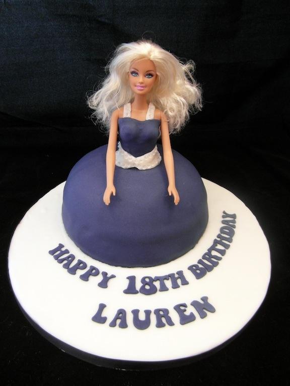 Doll cake - Fondant Fantastic