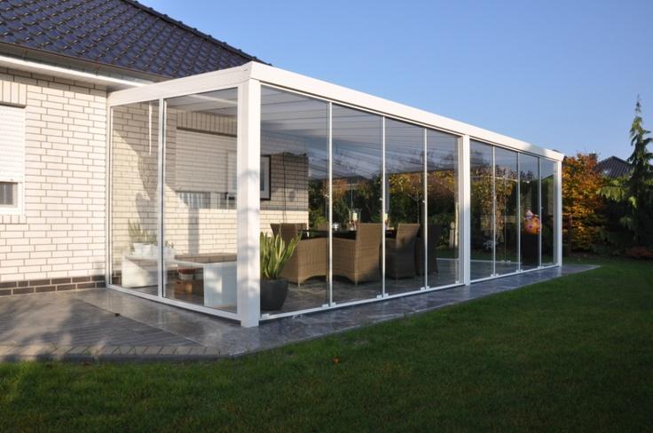 """Veranda in waaiervorm """"om het hoekje"""" van Garden Dreams - Aluminium Veranda's - glasschuifwandsysteem"""