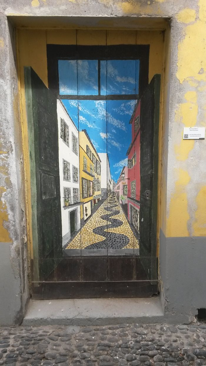 Zona Velha, Funchal, Ilha da Madeira, Portugal. 25 portas com intervenções artísticas