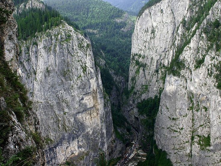Békás-szoros - Bicaz Gorge - Wikipedia, the free encyclopedia