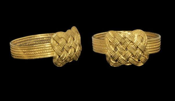 Norman Gold Filigree Finger Ring, 11th/12th century A.D.