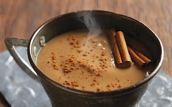 Prepara un delicioso atole de café y canela para esos días fríos que buscamos algo calientito.  Recetas bebidas  cocinavital.mx Receta completa.