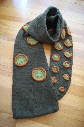 PATTERN: Octopus tentacle scarf hat....all wrapped up by underthemountain on Etsy https://www.etsy.com/listing/55875008/pattern-octopus-tentacle-scarf-hatall