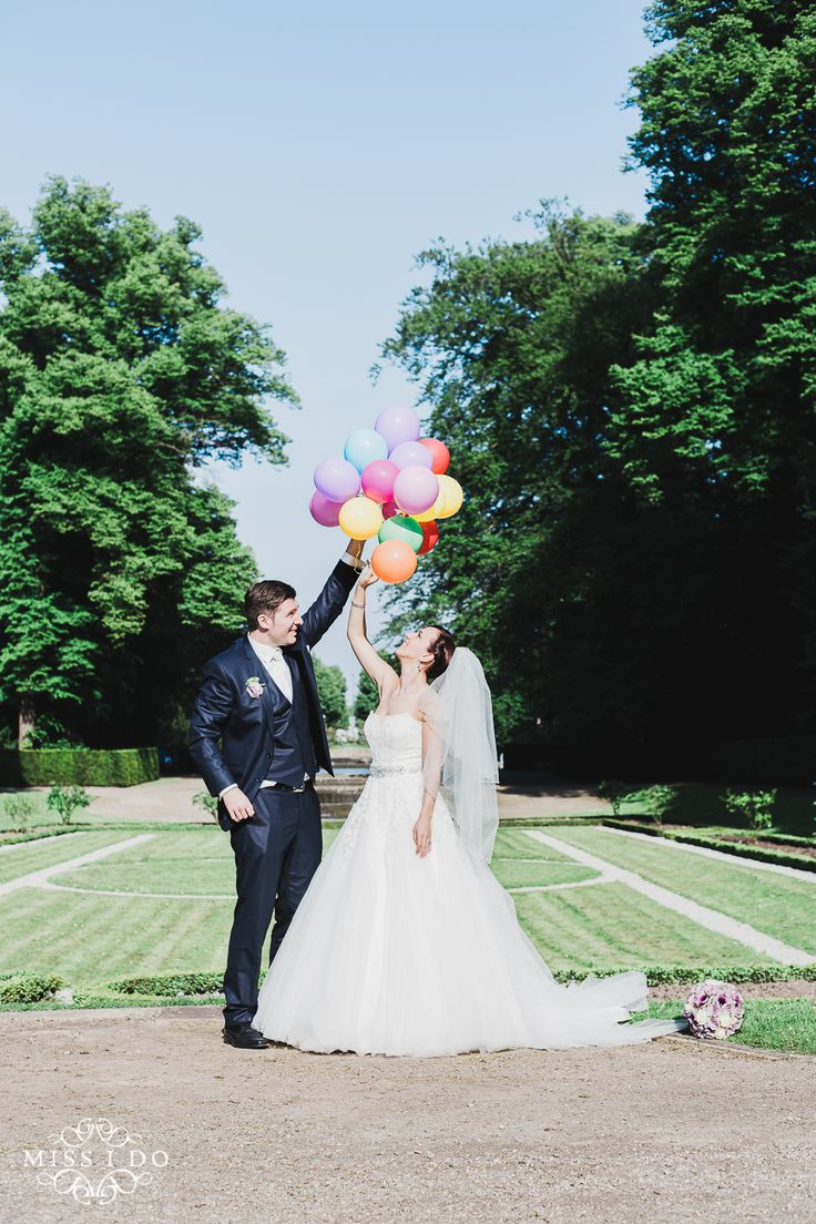 Hochzeitspaar Ballons, Location: Düsseldorf, Photography: Miss I Do Wedding Photography missido.de