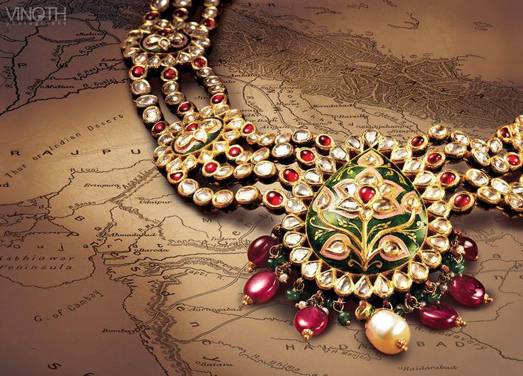 Uncut diamond jewellery with Meena work. Description by Pinner Mahua Roy Chowdhury