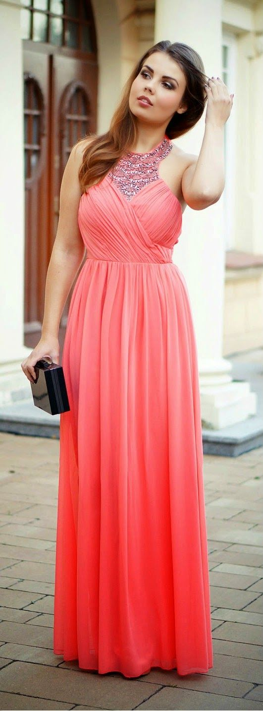 Daily New Fashion : Coral Pleated Maxi + Top Beaded.