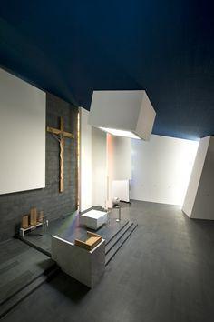 The Santi Cosma e Damiano Parochial Centre / SCAU