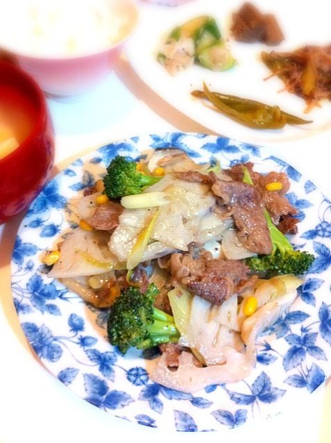 シャキシャキうま~ - 3件のもぐもぐ - れんこんと牛肉の中華炒め by kikicyoko