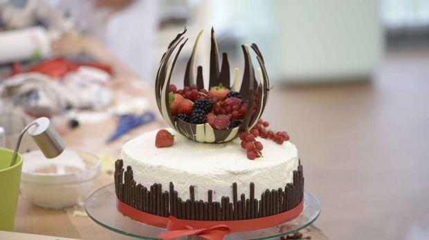 Extravaganz in Perfektion: Das ist Sabrinas Torte, für deren Zubereitung man einen Luftballon braucht.
