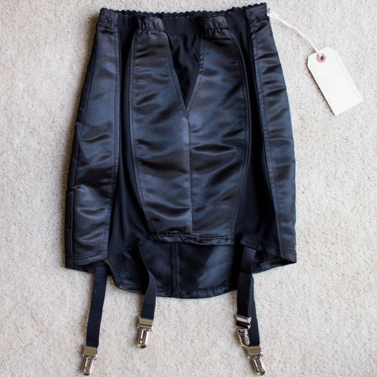 LIP SERVICE Haunting... skirt #83-299