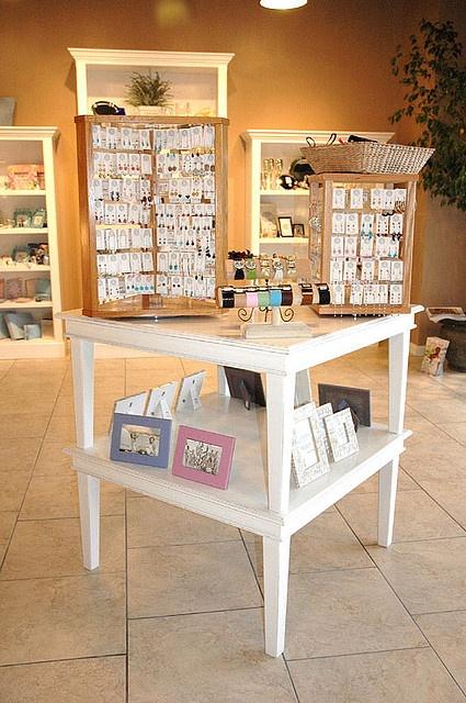 retail display table nice clean white