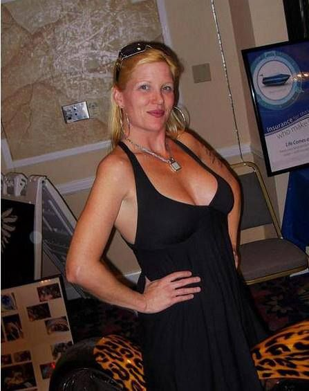 Meet Gorgeous Mature Ladies Online