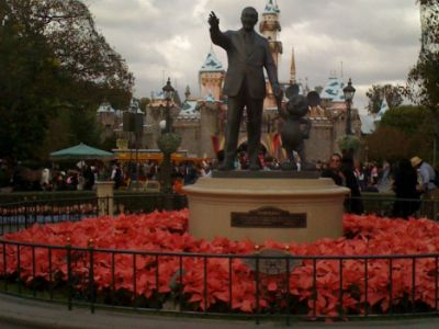 Disneyland's Military Discounts - by Military Travel expert @Meagan Shamy