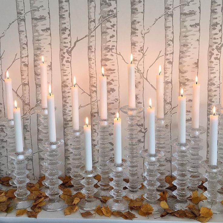 När man har björktapeter får man visst räkna med lite fallna löv när hösten är här...  #iittala #festivo #durotapeter #karelia #höst #syksy #inredning #heminredning #inreda #interiör #interior #interiør #sisustus #hemmahoserikmaki