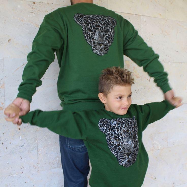 Sudadera para niño o niña con pantera en el pecho, ideal para vestir con estilo y máxima comodidad se la querrá poner cada día.  Además en la colección Yael puedes encontrarla para adulto y poder combinarla con la de tus niños.#kids #kidsfashion #fhasionkids #ropa #pantera #verde #sudadera #daddy #padre #iguales #ropaigual