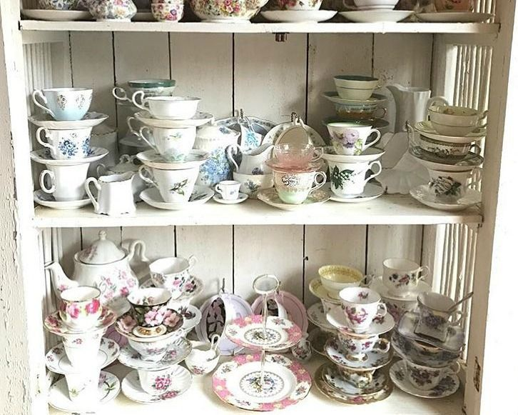 Enjoying Your Collections: Many of us have collected memorabilia - Snowmen, dolls, trains, dishes, quilts, lighthouses, ornaments, purses, magazines, cars, toys, teacups, and photos bog down our closets, attics, and minds.   But with every added item comes added responsibility.   And then comes the time when we simply can't enjoy all we have anymore. Read our blog about how to enjoy your collections.