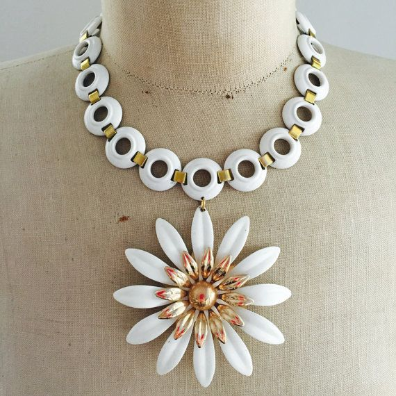 Wedding Necklace, Retro Necklace, Enamel Flower Statement Necklace, 1970s, vintage necklace by www.rebecca3030.etsy.com