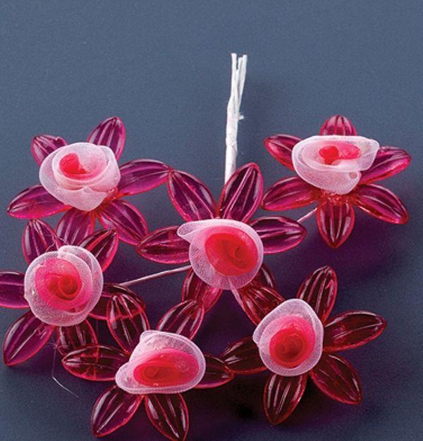Στολίδι λουλούδι φουξ για μπομπονιέρες γάμου από πλέξι γκλας και ύφασμα.Το λουλούδι θα διακοσμεί όμορφα την μπομπονιέρα σας, τιμή 0,10 €