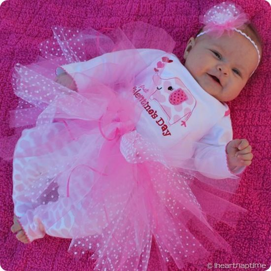 how to make a Tutu ~ Tutorial ~ Love the different tones of pink & the tule with the white dots!