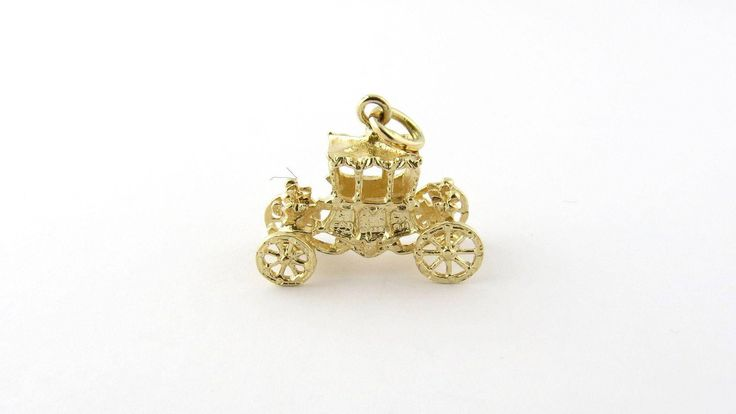 Vintage 14K 3-D Movable Yellow Gold English Royalty Carriage Charm #709