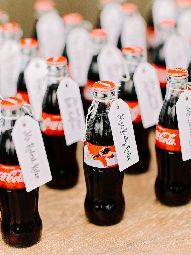 大好きなコーラに! <結婚式エスコートカード・席札>個性的・オリエンタルなものまとめ一覧♪