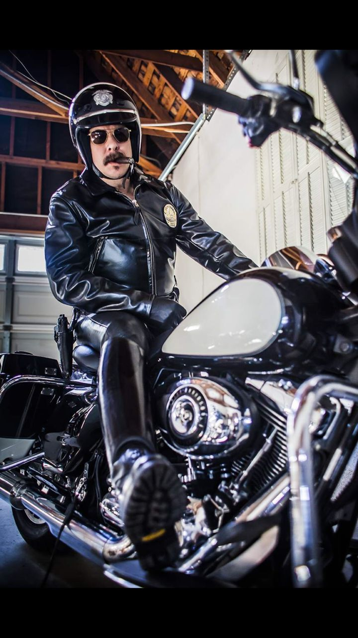Leather Cops : Photo