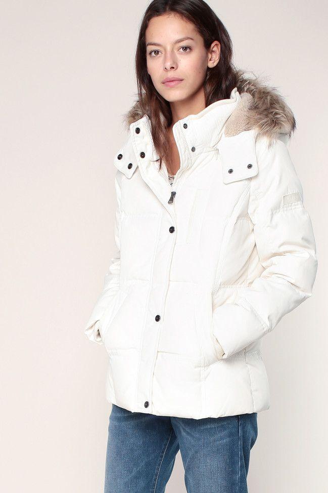 Doudoune écrue capuche et fourrure amovibles Esprit prix Doudoune Femme Monshowroom 139.99 €