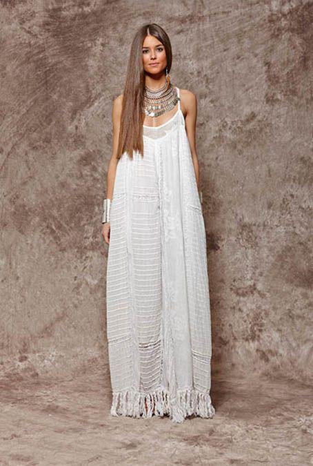 Vestido blanco de tirantes con flecos - 152,00€ : Zaitegui - Moda y ropa de marca para señora en Encartaciones