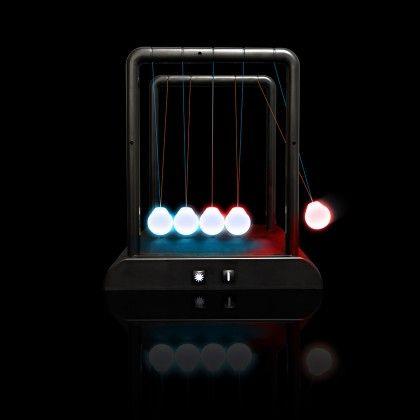 Pendule de Newton lumineux : pendule mouvement perpétuel sur Cadeaux et Anniversaire