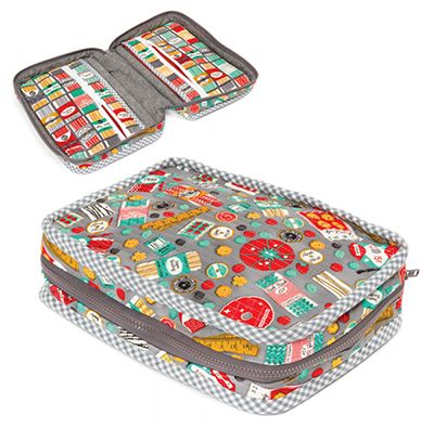Download Free Pattern Carry Along Sewing Case by Robert Kaufman Fabrics. Free Sewing and quilting patterns, tips and more at the FabShop Hop!