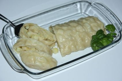 Gedämpfte russische Kartoffelrolle