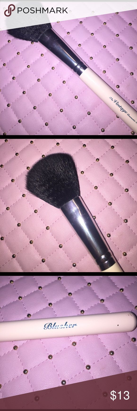 Fluffy Blush brush The Vintage Cosmetics Company •Blush brush - fluffy •great for blush/powder/bronzer  •used a couple of times - just trying to condense my brush collections Makeup Brushes & Tools