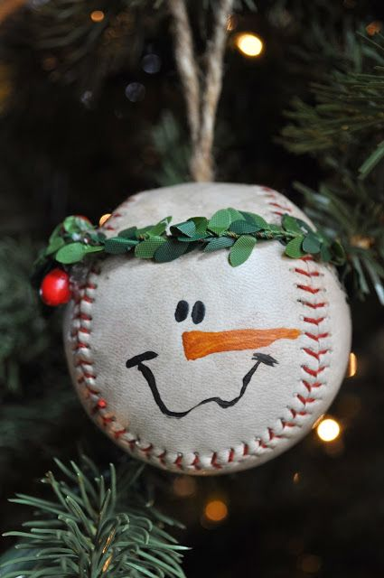 Baseball Snowman Ornament ~ How freakin cute! @Tobie Oliver Oliver Tapper @Jill Meyers Meyers Travis