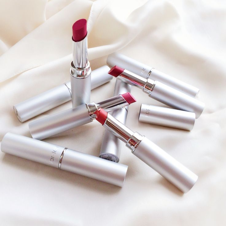 Share your fav Wardah Longlasting Lipstick colors! Because one lipstick is absolutely not enough. #wardahbeauty