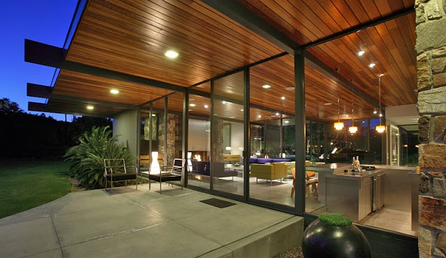 MID-CENTURIA : Art, Design and Decor from the Mid-Century and beyond: Architect Donald Wexler: Dinah Shore House. idea for water side of house.
