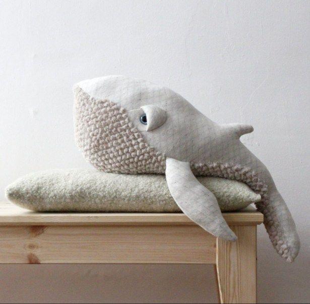 baleine-albinos-doudou-peluche-big-stuffed