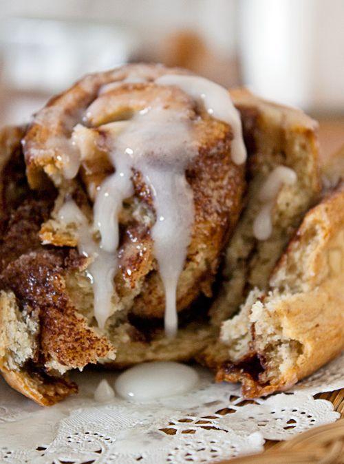 No yeast, yes yum. Quick Cinnamon Rolls: Large Rolls, Food, Cinn Rolls, Savory Recipes, Quick Cinnamon Rolls, Sweet Rolls, Yum Yum, Nom Nom, Dessert
