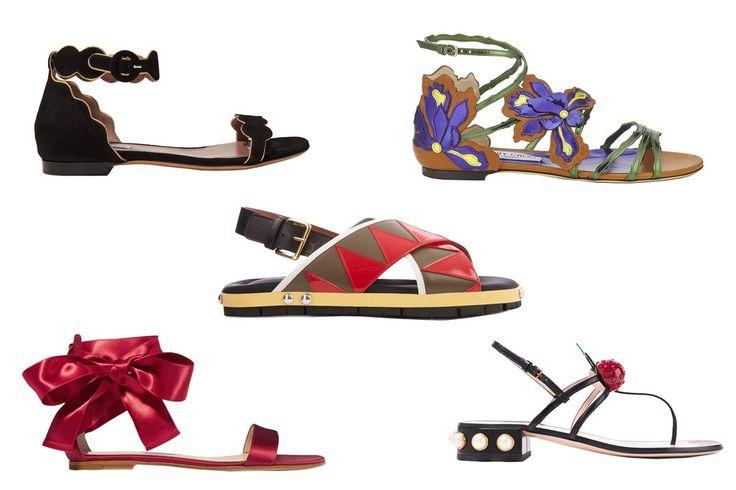 Die Sandalen-Trends 2017 könnten unterschiedlicher kaum sein: VOGUE zeigt Ihnen die schönsten Modelle direkt zum Bestellen in den Online-Shops!