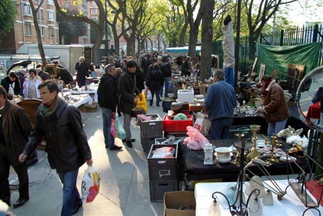A sunday morning at the Porte de Vanves flea market (Paris, France) | Flea Market Insiders