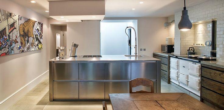 Reforma cocina con cocina de hierro fundido muebles for Muebles de cocina de hierro