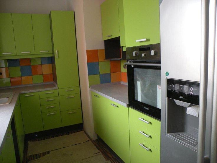 Fiatalos konyha vidám színekkel