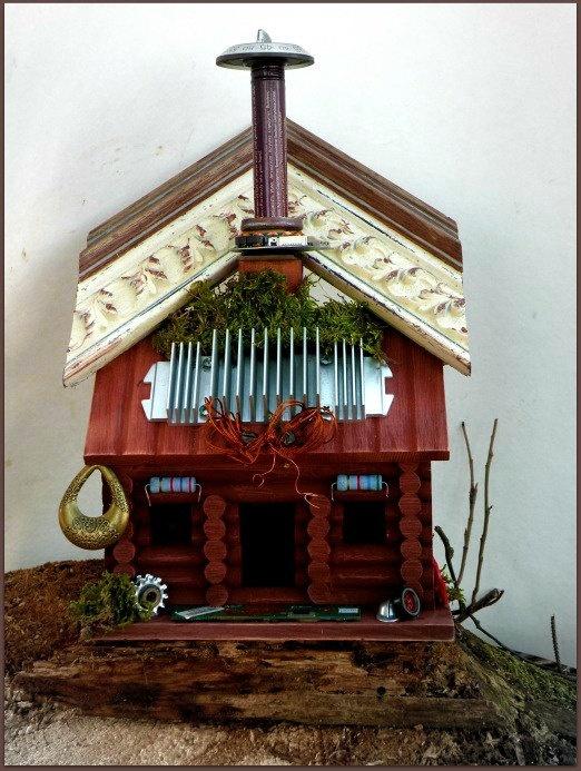 Recycled / Upcycled Handmade Bird House by UncommonRecycables, $68.00Birdhouses Birds, Diy Birdhouses, Vogelhäuschen Birdhouses, Unique Birdhouses